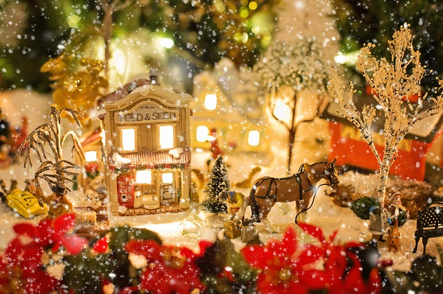shabby-chic-victorian-christmas-village
